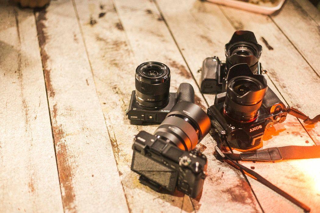 camera equipment canon sony lens body sd card gear