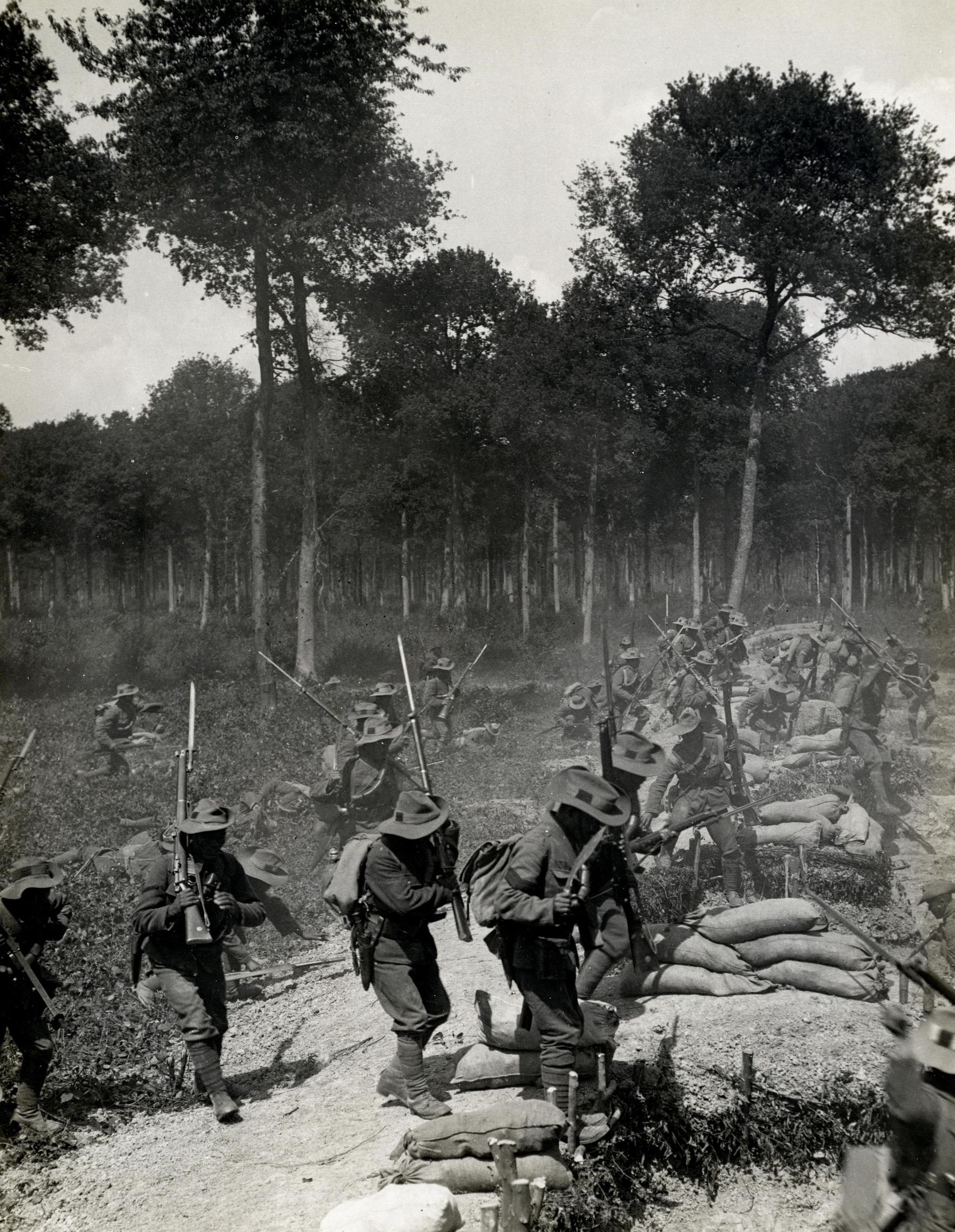 Photojournalism after the end of the First World War