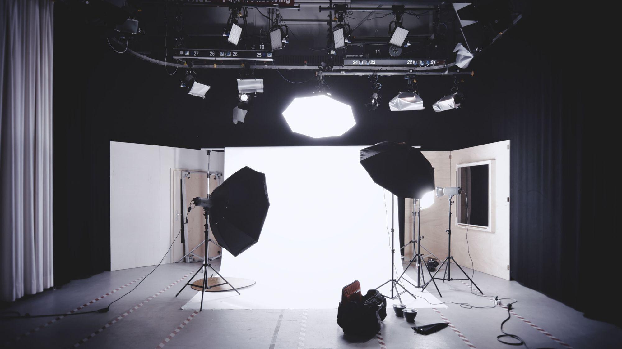 light-on-photo-studio