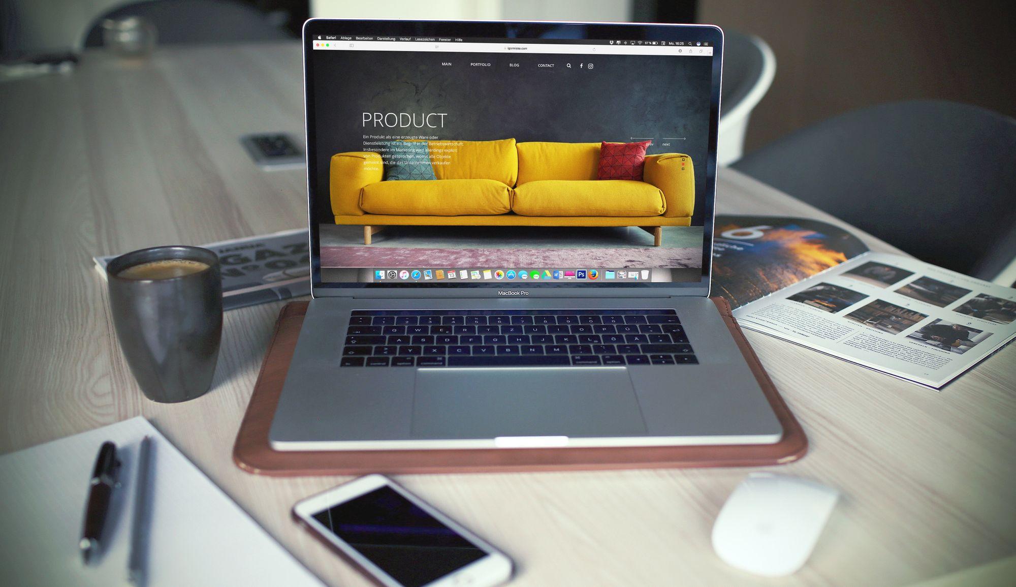 trendy-website-on-macbook