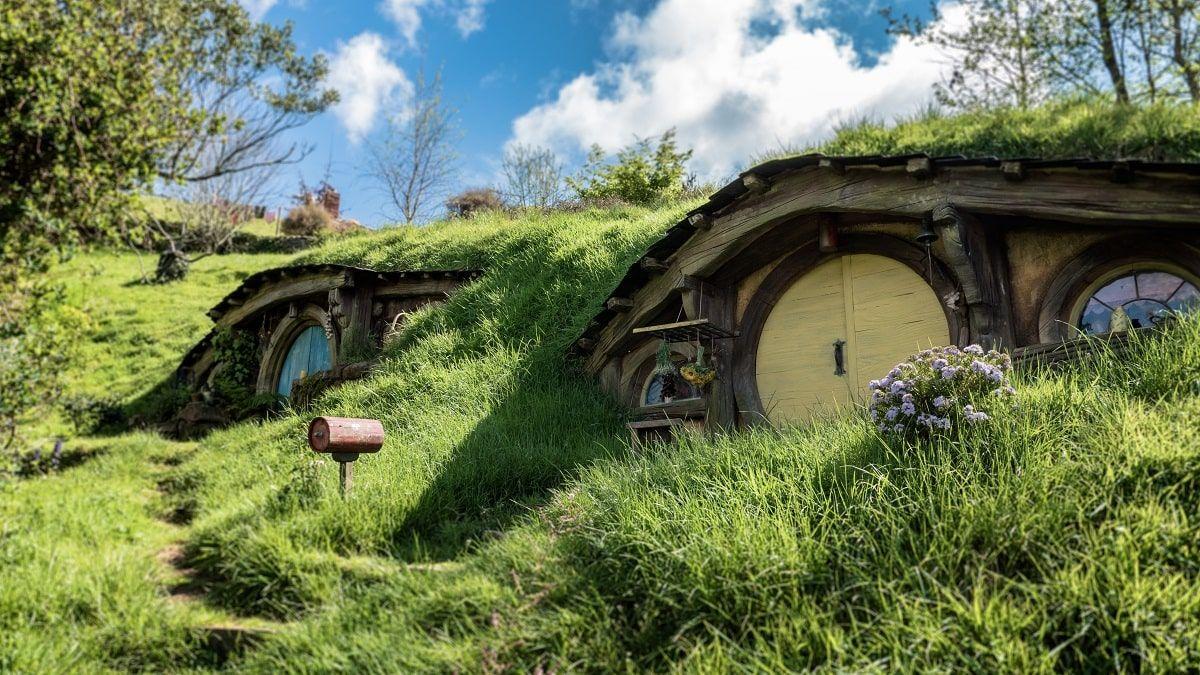 hobbit house in hills