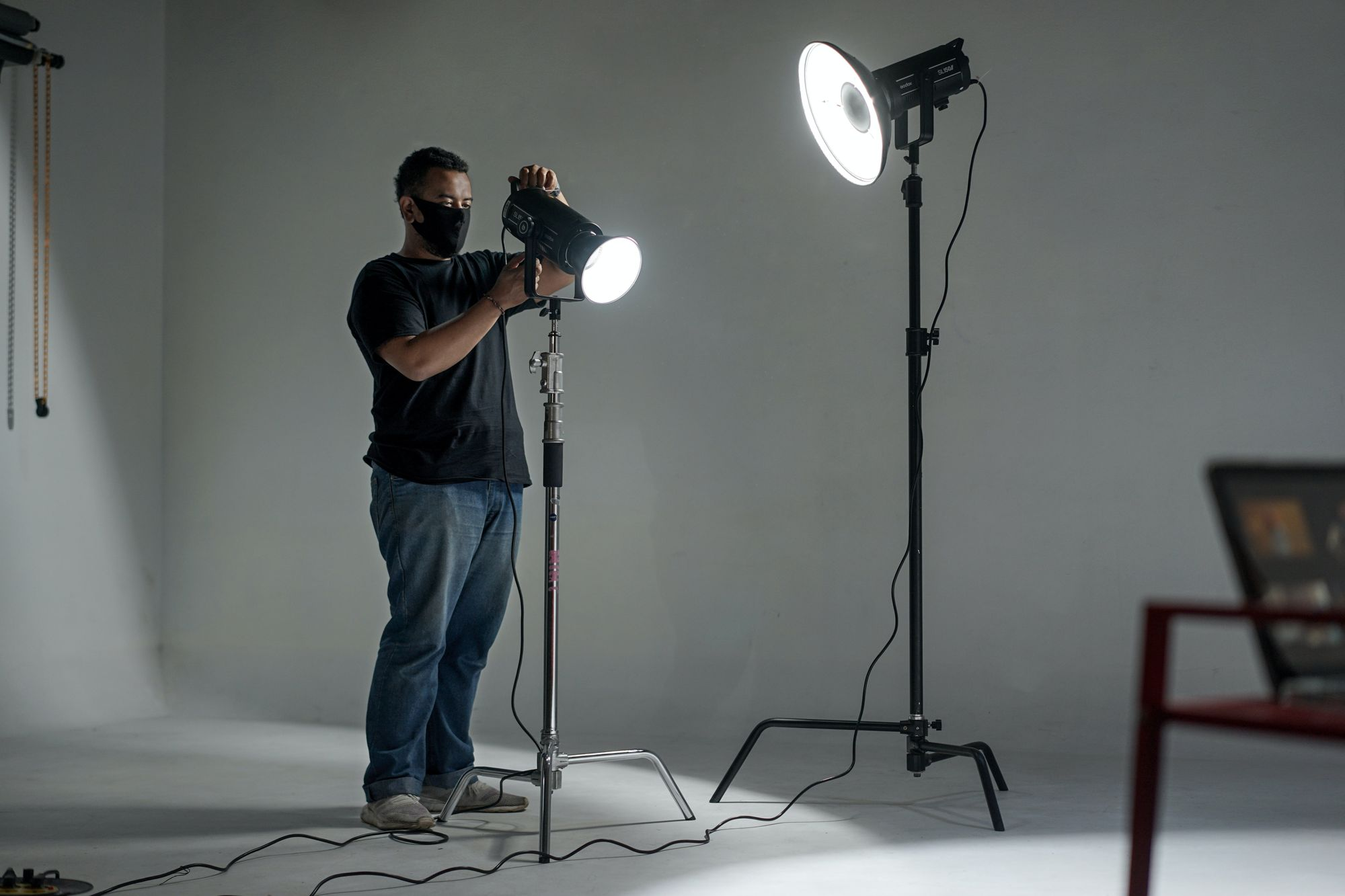 setting up cinematic interview lighting