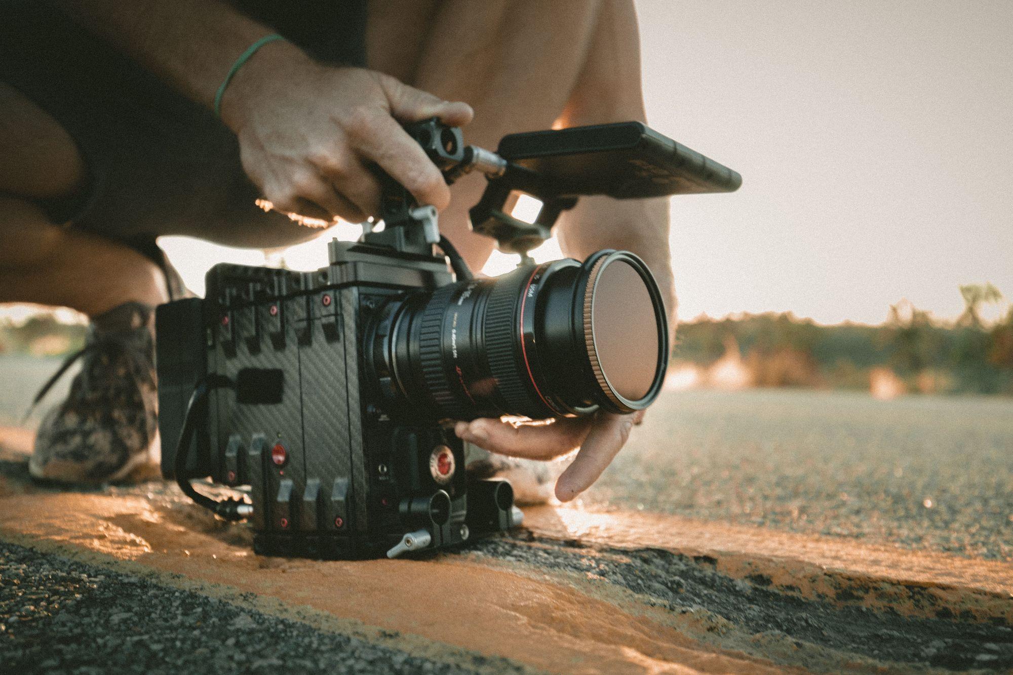 travel-camera-on-road